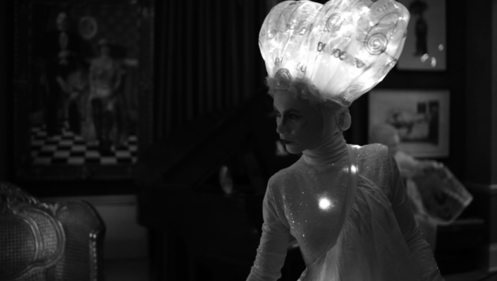 PAROLABIANCA - Performance poetica per un danzatore